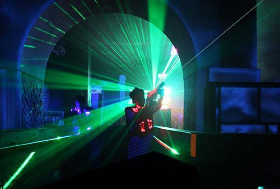 X Club Laser Tag Arena Laser Tag Plus Bar What Could Be Better Laser Tag Dream Dates Gaming Lounge