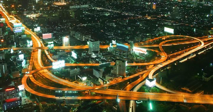 So kommst du schnell und ohne Probleme vom Flughafen nach Bangkok!  http://flashpacking4life.de/reisetipps-wie-vom-flughafen-bangkok-die-stadt-gelangen-der-beste-flughafentransfer-bangkok/