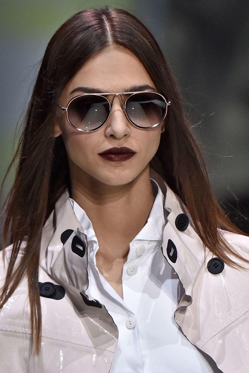 Óculos de sol  os modelos mais bacanas das passarelas de Milão ... 16960fd684