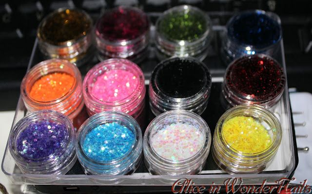 Lady Queen Beauty: GLITTER!!!    Enjoy a 15% off your orders on www.ladyqueen.com with the CODE NJLC15    You can find the glitters in the pic at the link: http://www.ladyqueen.com/12-colors-nails-wheel-3d-nail-art-tips-shinning-sequin-slice-nail-decorations-set-na0619.html
