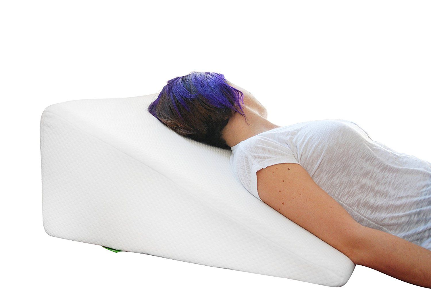 Amazon Com Bed Wedge Pillow With Memory Foam Top By Cushy Form