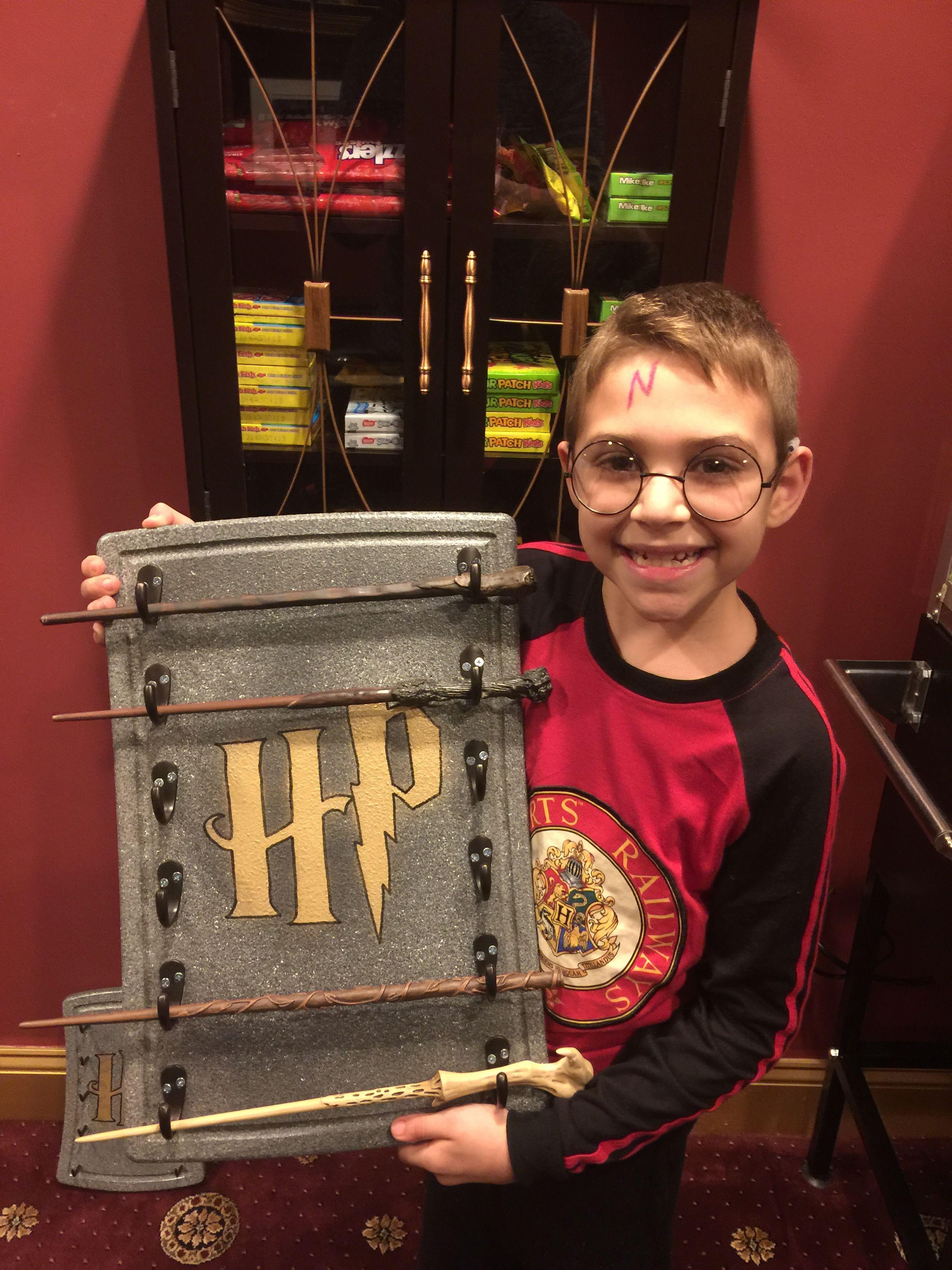 Harry Potter Wand Holder | Harry Potter Diy | Pinterest ...