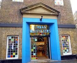 """Résultat de recherche d'images pour """"urban outfitters london"""""""