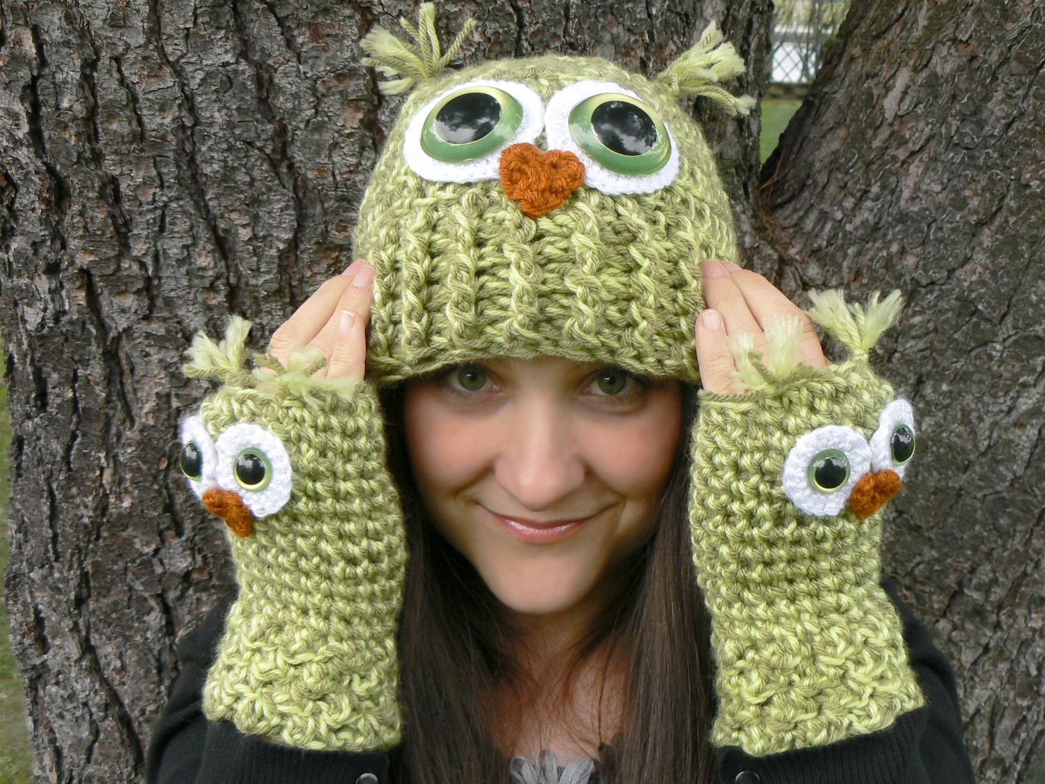 Crochet Owl Fingerless Gloves Wrist Warmers with Green Safety Eyes ...