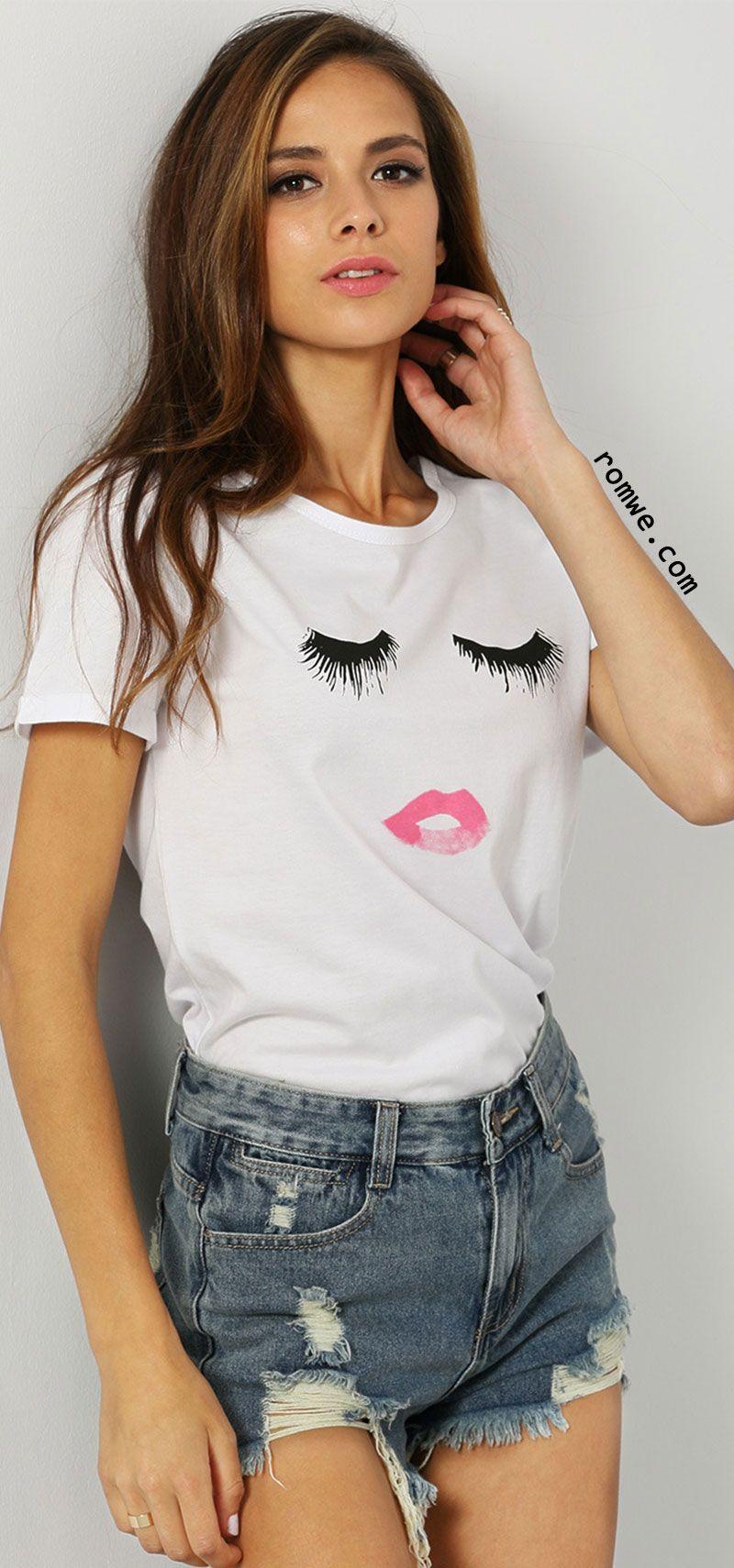 05407f259213 White Short Sleeve Eyelash Lip Print T-Shirt