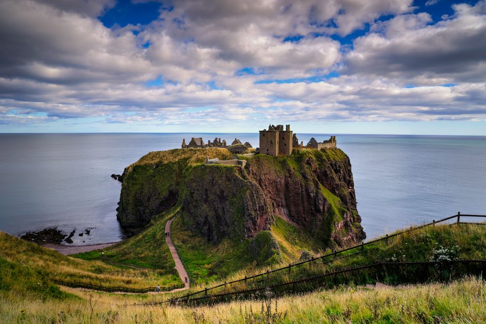 A hike to Dunnottar Castle — Nomadic Pursuits