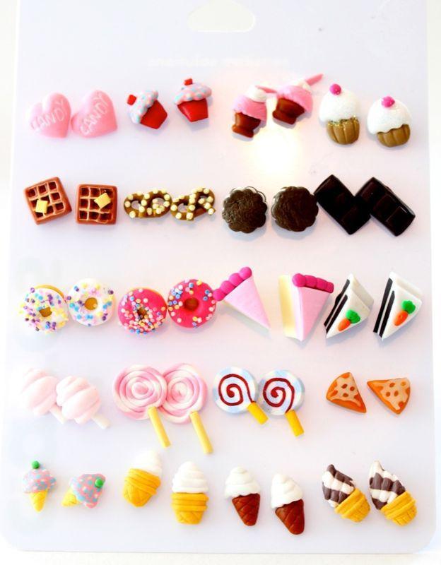 Brincos e colares de biscuit