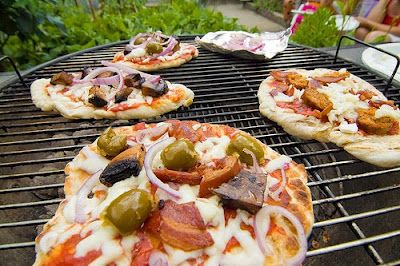 How to Grill a Pizza ~ yes, you really can!