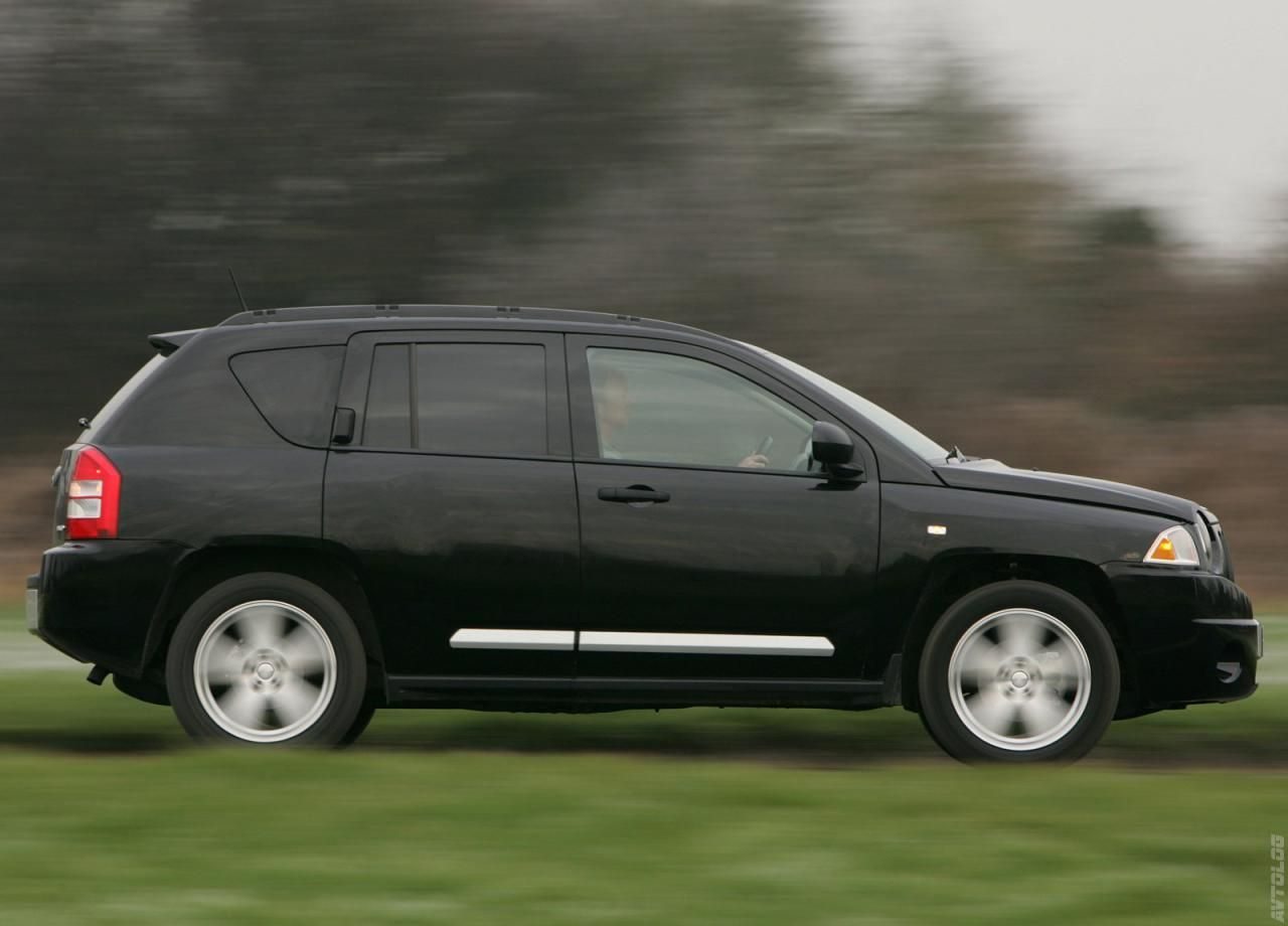 2007 jeep compass uk version 2007 jeep compass limited cnet 2007 jeep compass kelley blue