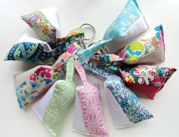 Tutoriels porte clefs en tissu deco diy porte cl s sachets de lavande et berlingot - Fabriquer un porte clef ...