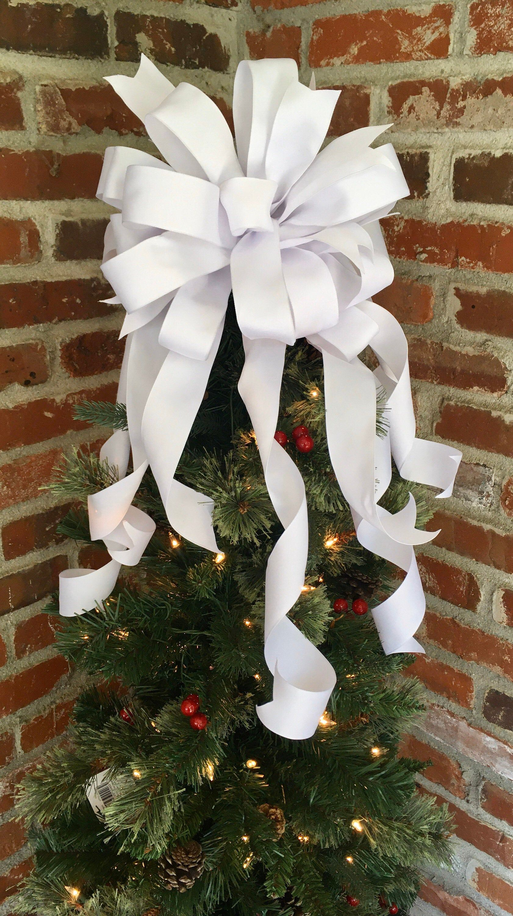 White Christmas Tree Topper Bow Christmas Bow White Wreath Etsy Christmas Tree Topper Bow Christmas Decorations Rustic Tree Topper Bow