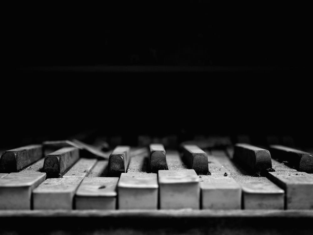 Stunning Dark Wallpapers For Your Desktop 2020 Hongkiat Music Wallpaper Piano Keys Piano Photography