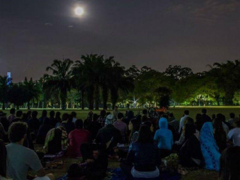 A prática da meditação unida ao calendário lunar pode trazer benefícios aos participantes, além de ter um significado místico.