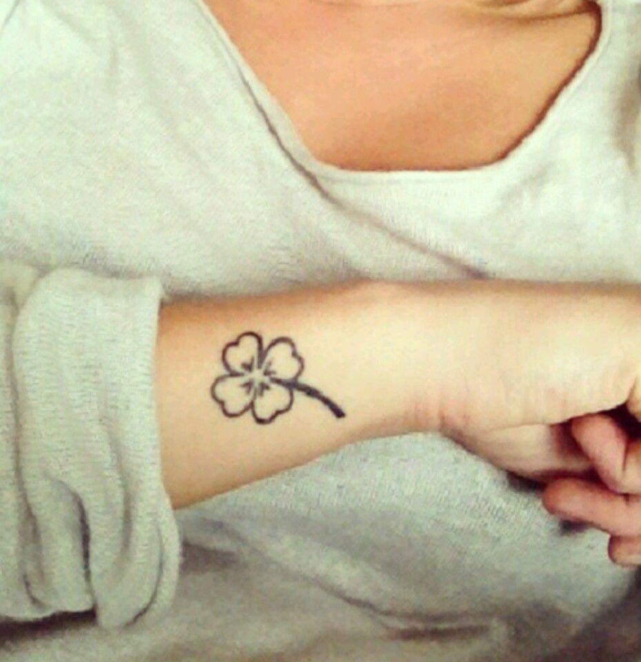 Four leaf clover tattoo tatouage pinterest tatouages tatouage trefle et bien lev - Tatouage trefle a 4 feuille ...