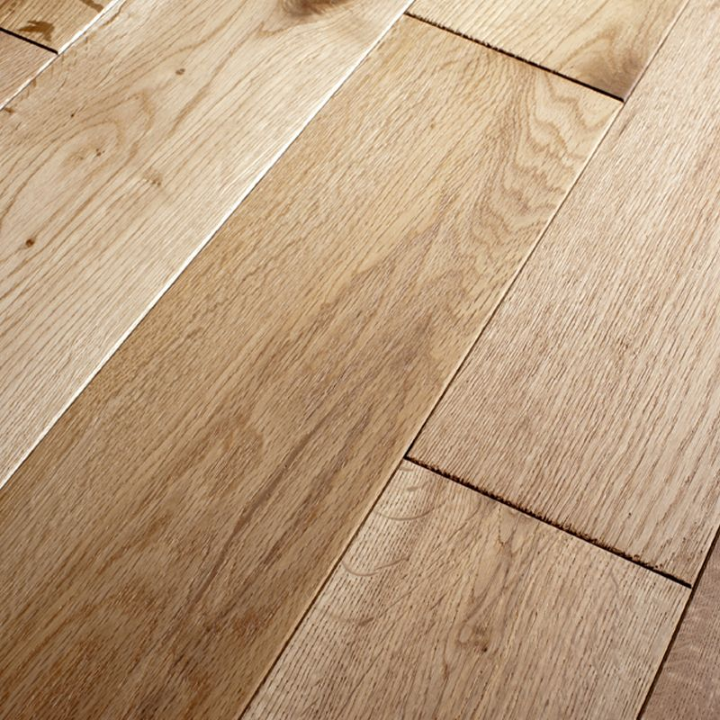 Solid Natural Oak Hand Scraped Lacquered 125mm Solid Wood Flooring