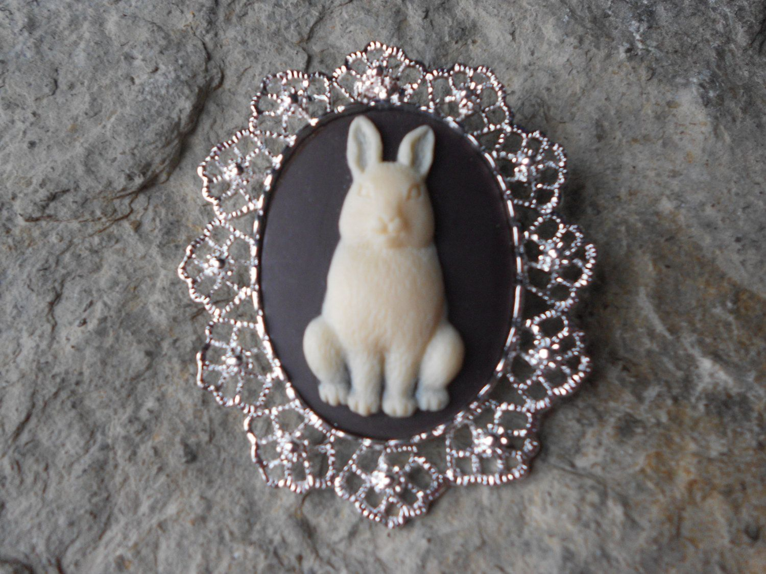choose setting color 2 in 1 bunny rabbit easter bunny cameo broochpinpendant beautiful detail and great quality - Bunny Pictures To Color 2