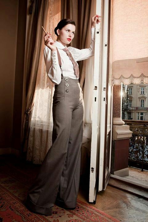 I have similar this 40's pants in my wardrobe ;) ;) ;)
