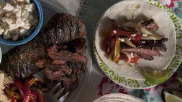 Crock Pot Steak Fajitas #beeffajitarecipe Make and share this Crock Pot Steak Fajitas recipe from Genius Kitchen. #beeffajitarecipe