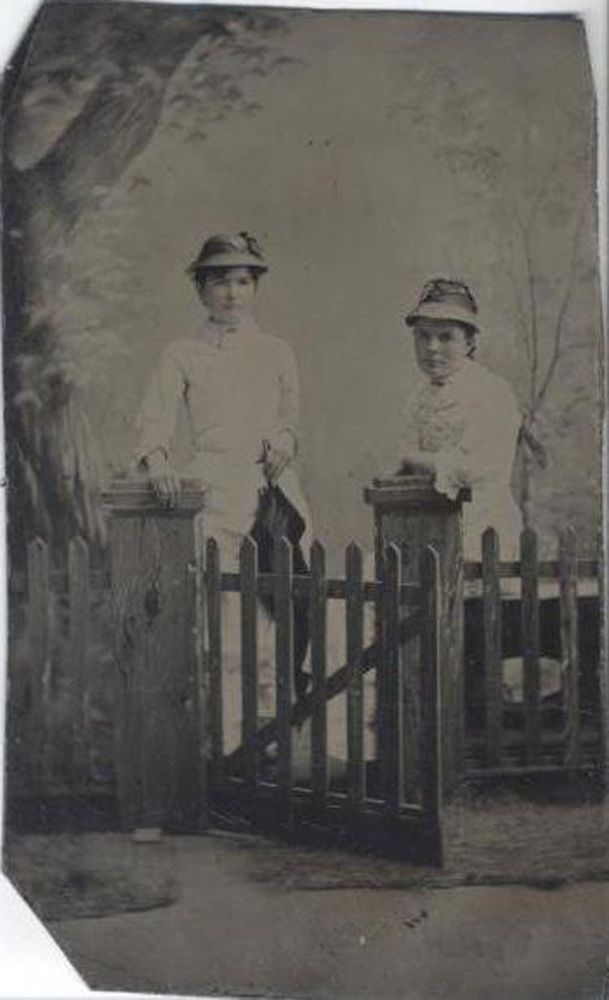 TINTYPE WOMAN W/ GREAT LARGE HAT & CAPE   Large hats