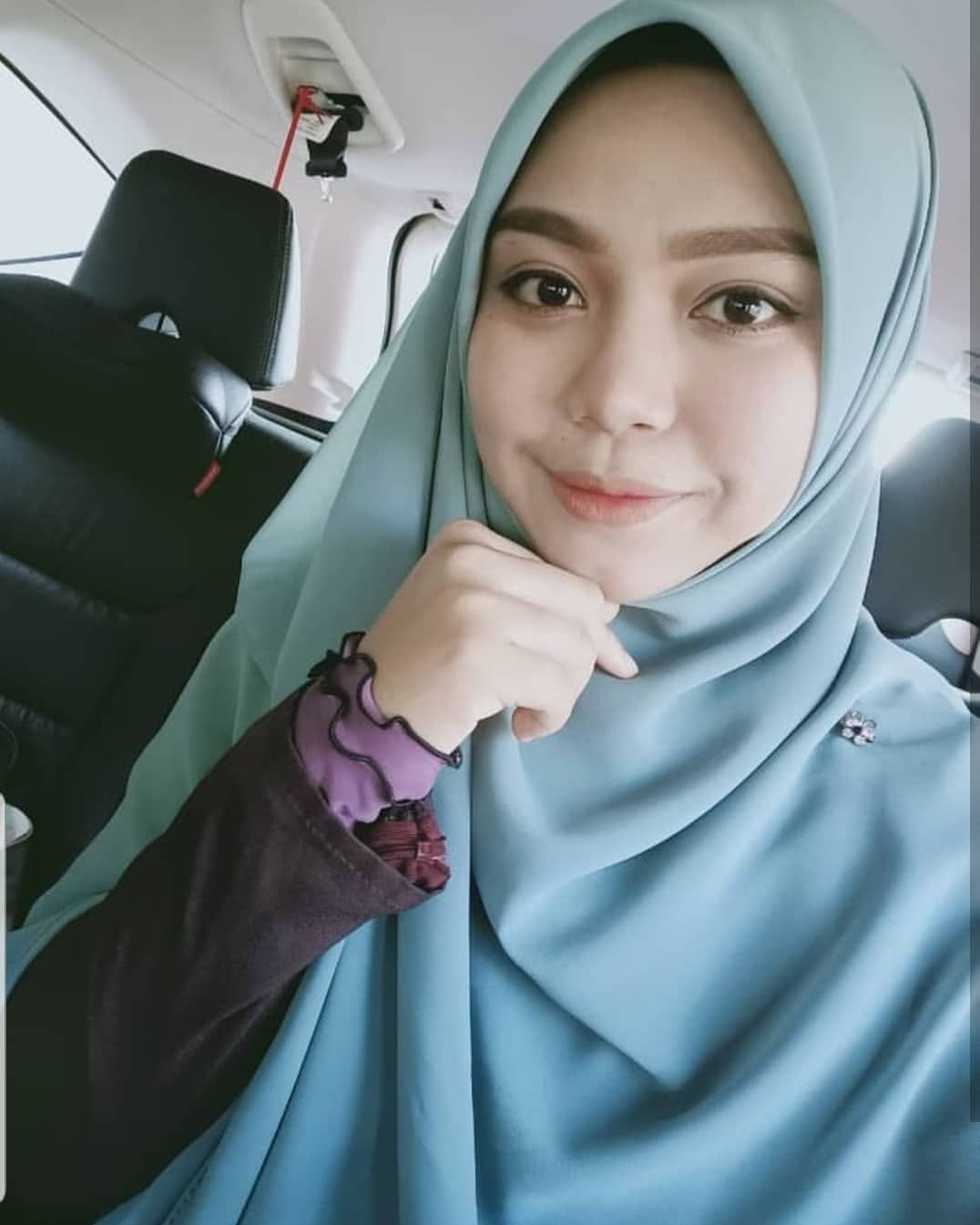 Tak Pernah Tak Cantik Ukhti Renazahraa Bila Pakai Bawal Heavy Chiffon 60 Bertambah Manis Kan Beautiful Hijab Pashmina Scarf Hijab Fashion