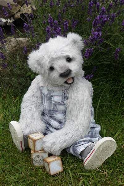 Leon ooak bear by Britta Helberg