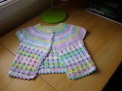 A Punto de Red . Patrones: Chaqueta crochet niña Urban Girl ...