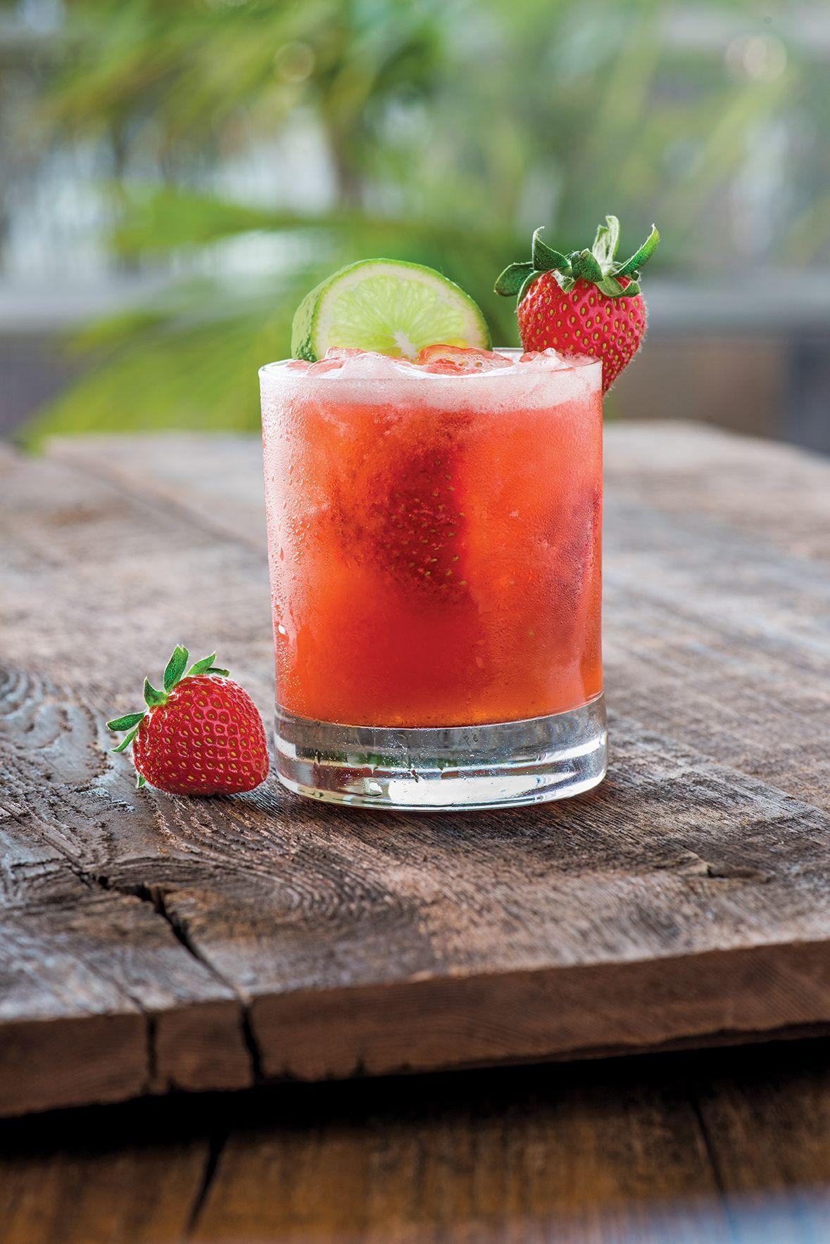 California Pizza Kitchen Palm Beach Gardens Mickey Finn Strawberry Margarita Drinks Pinterest Strawberry