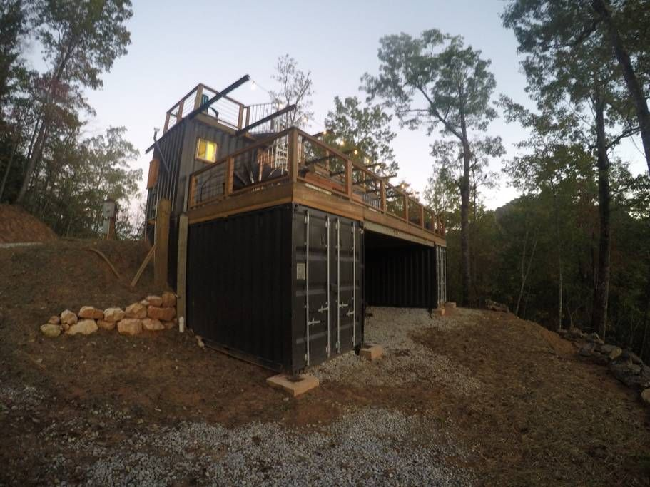 A view of the appalachian mountain container cabin