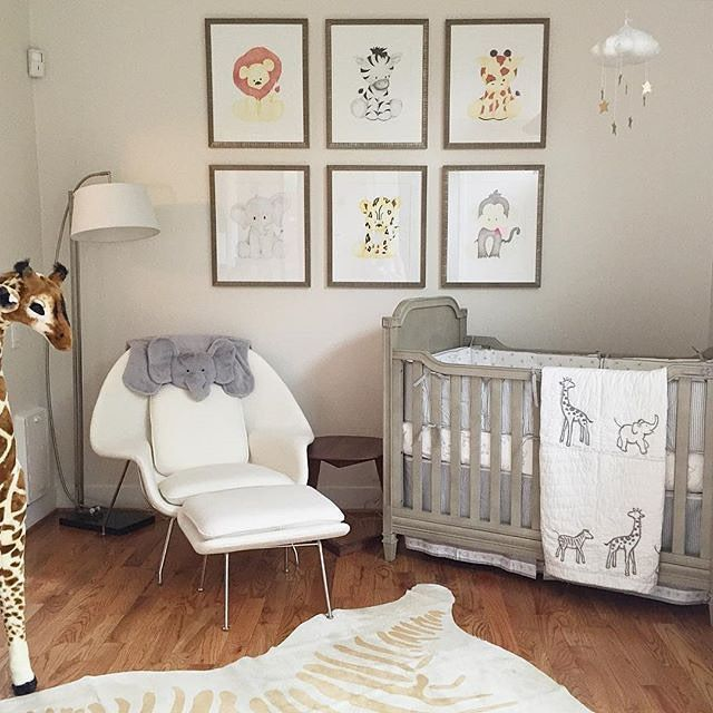 Another Stuffed Giraffe But Again I Like The Animal Prints On This Nursery Wall Better This Is A Comfor Baby Room Themes Nursery Baby Room Baby Room Neutral