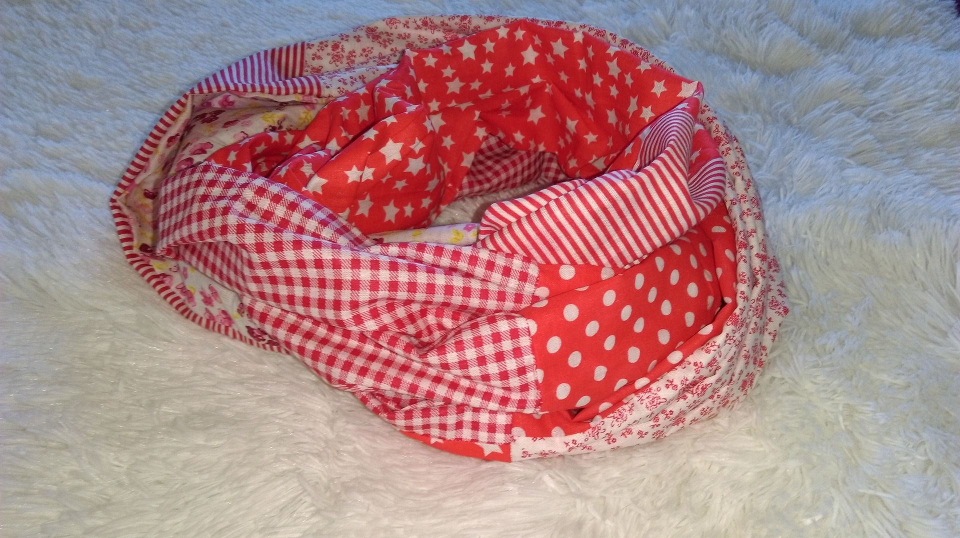 Col snood en tissu liberty camaieu de rouge : Echarpe, foulard, cravate par les-fantaisies-d-une-fill