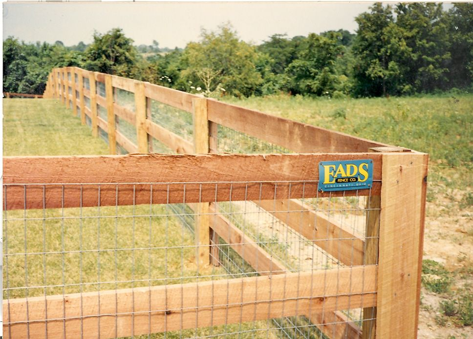 3 Rail Kentucky Board Fence With Wire Liner Fence Design Fence Decor Wood Fence