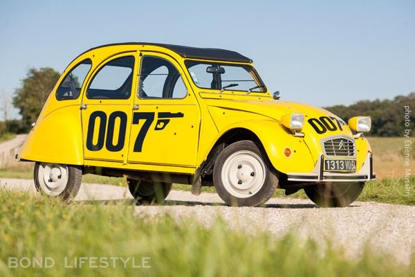 Citroen 2cv Special Edition 007 James Bond My Parents Actually Owned One Of These When I Was Younger Complete With Ente Automobil Kindheitserinnerungen