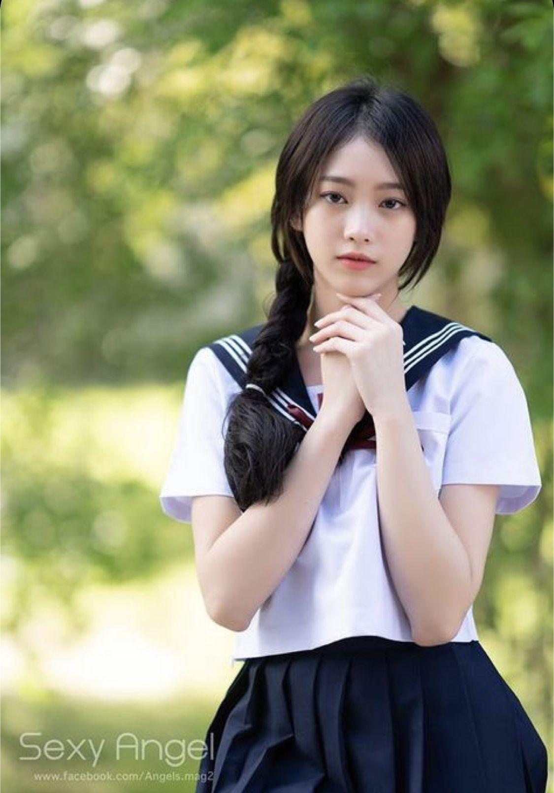 Chinese Model Sabrina Hot Sideboobs and School Girl