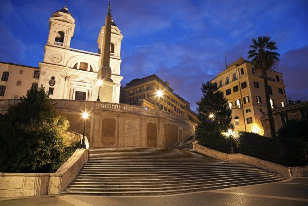 #News The steps have been closed since October 2015 for much-needed repair work. http://www.lonelyplanet.com/news/2016/09/22/romes-spanish-steps-open/