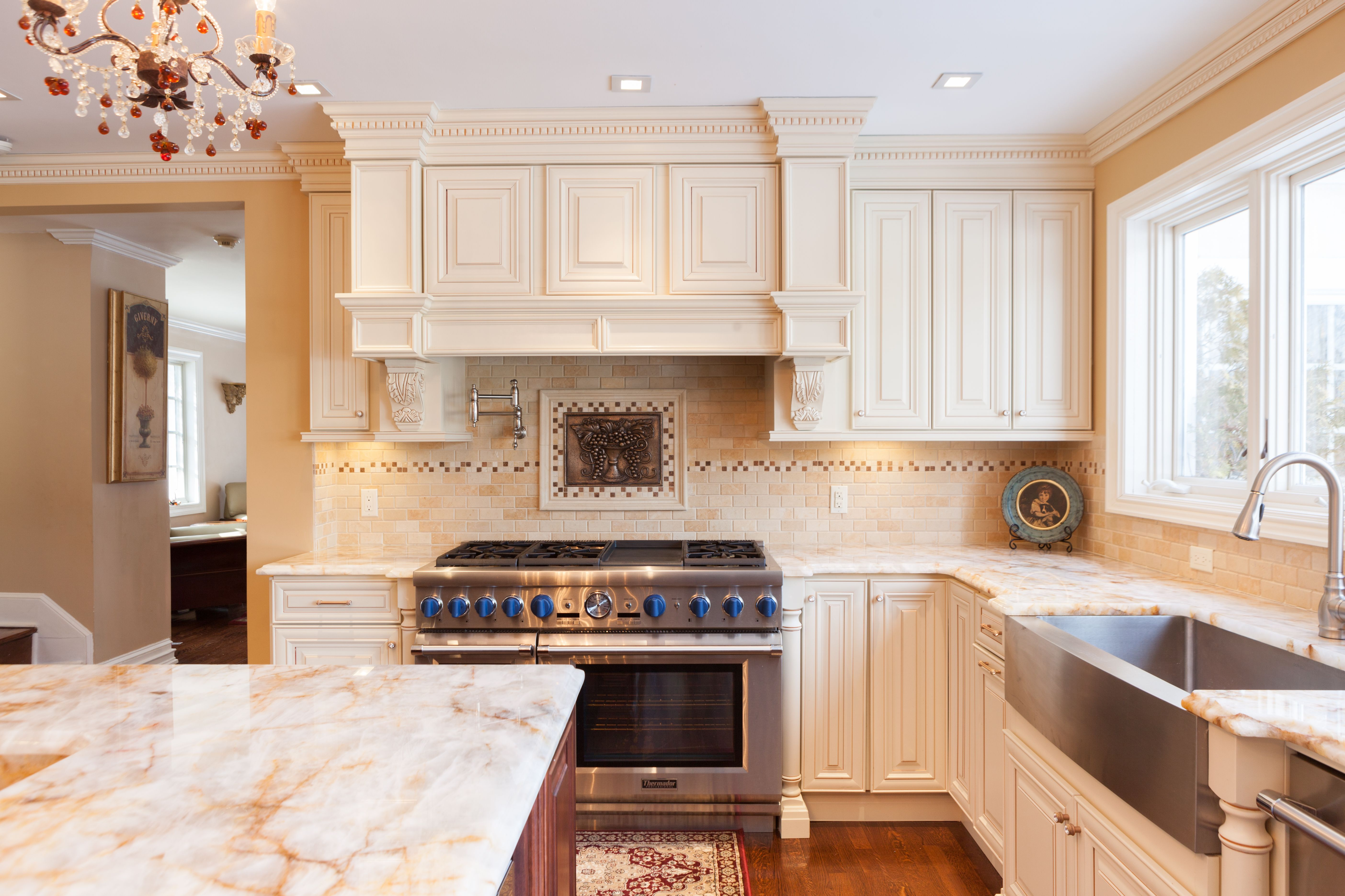 J&K Cabinetry Traditional cabinets made from Maple Wood in a Creme ...