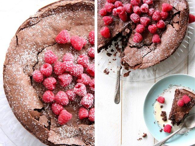 "Passover Potluck with ""The Shiksa"", Flour-less Chocolate Hazelnut Cake - Geez Louise!"