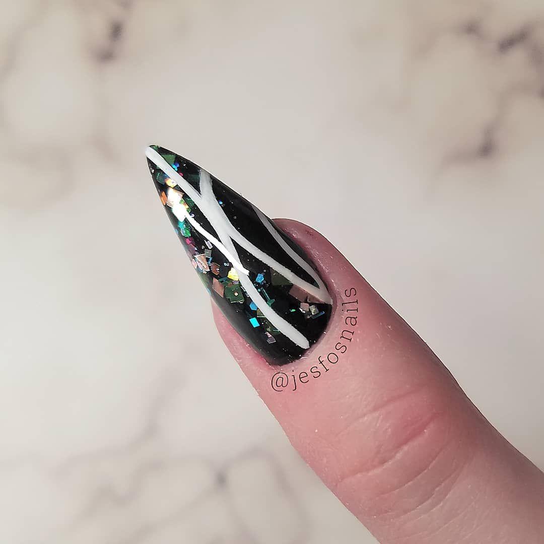 Stiletto Nail Art Black And White Glitter Nails Nails Fancynails