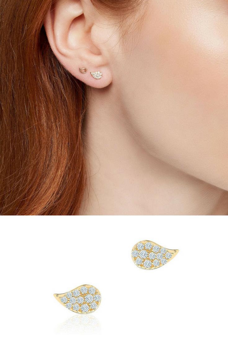 5eef3238b1dde Pétale ® Yellow Gold and Diamond Stud Earrings | Birks Pétale ...