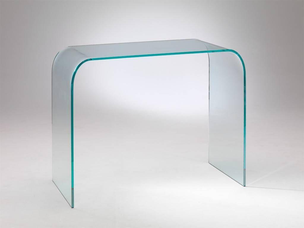 Le scrivanie in vetro possono donare leggerezza e aria all