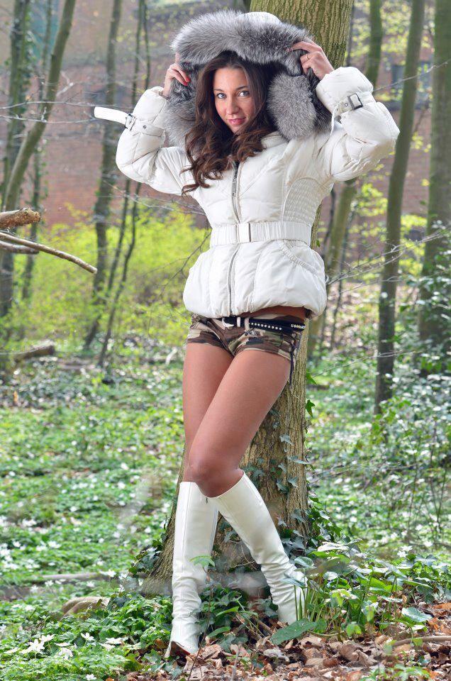 Julie Skyhigh   Brunette [FUR]   Pinterest   Fur, Puffy