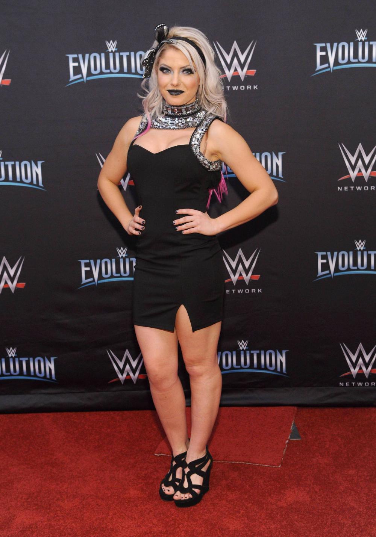 Kanes Former Flames Pics - Wrestling Forum: WWE, AEW, New