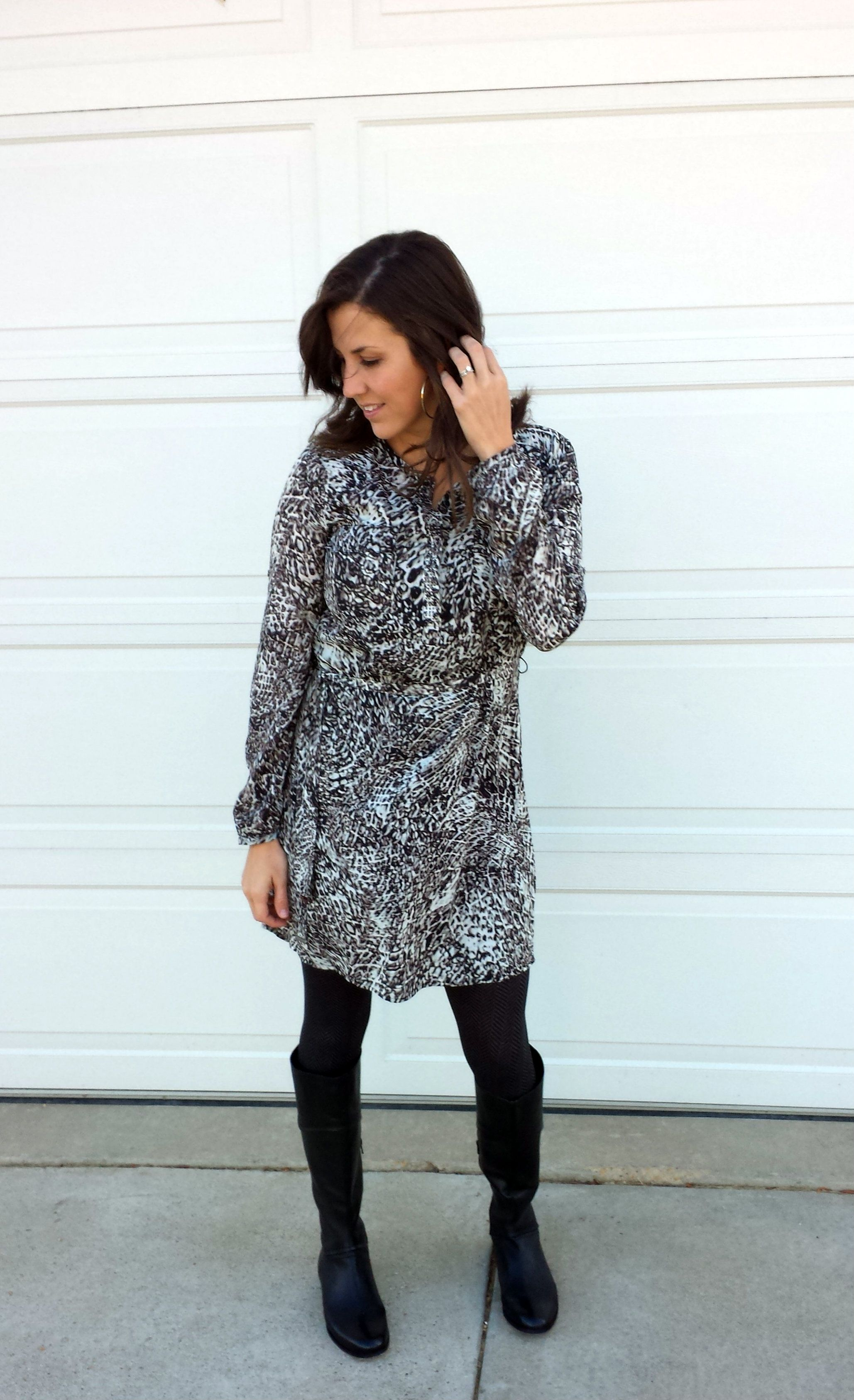 What I Wore Snakeskin Shirt Dress Realmomstyle Momma In Flip Flops Dress Outfit With Boots Mom Outfits How To Wear [ 3373 x 2057 Pixel ]
