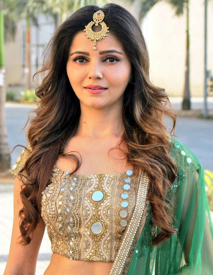 Rubina Dilaik Indiantv Celeb Pinterest Tikka Hairstyle Indian
