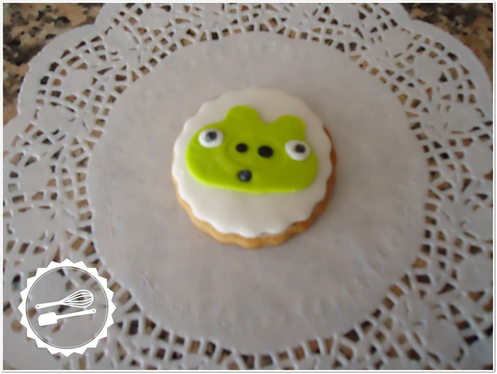 "Butter cookie with sugar paste.  ""Angry Birds"" #cookies #angrybirds"