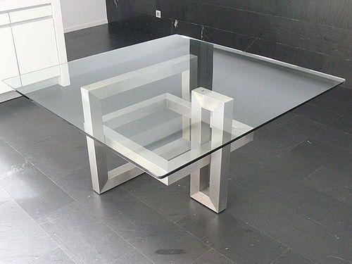 Mesa moderna de vidrio cuadrada de interior ios for Mesas de comedor cuadradas de diseno