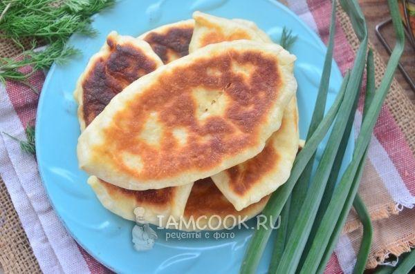 Пирожки с луком и яйцом на кефире