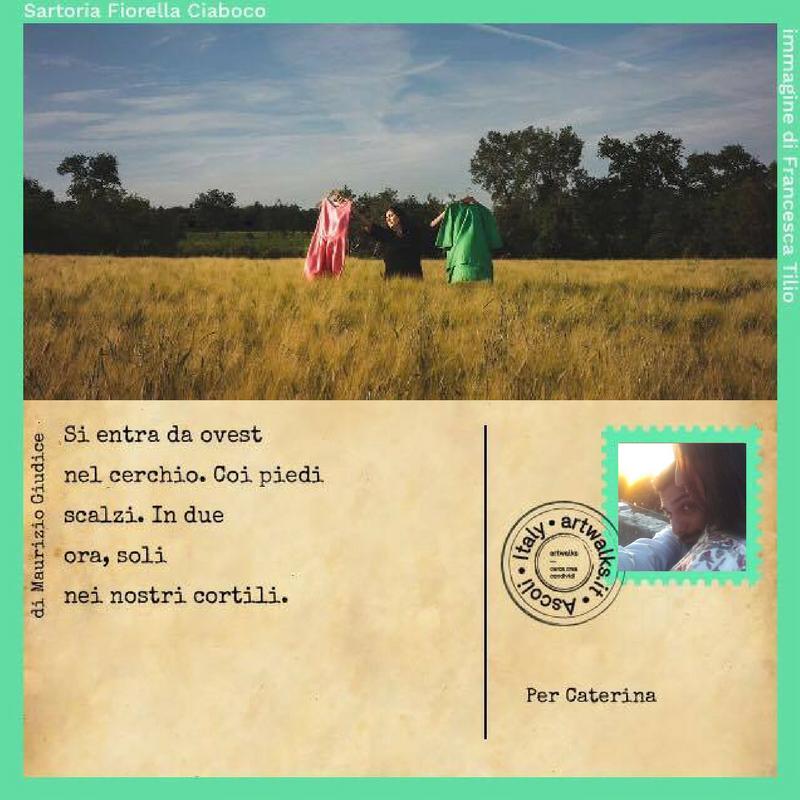 """""""Viaggiare insieme. Ogni tramonto, ogni paesaggio, ogni borgo, una scusa per fermare la marcia e osservare. Riempirsi gli occhi. Guardare davanti a me, respiro. Mi volto, ci sei, respiro. Felicità cristallina. Tu."""" Nicola dedica questa cartolina e le sue parole a Caterina: compagna di viaggi, compagna di vita."""