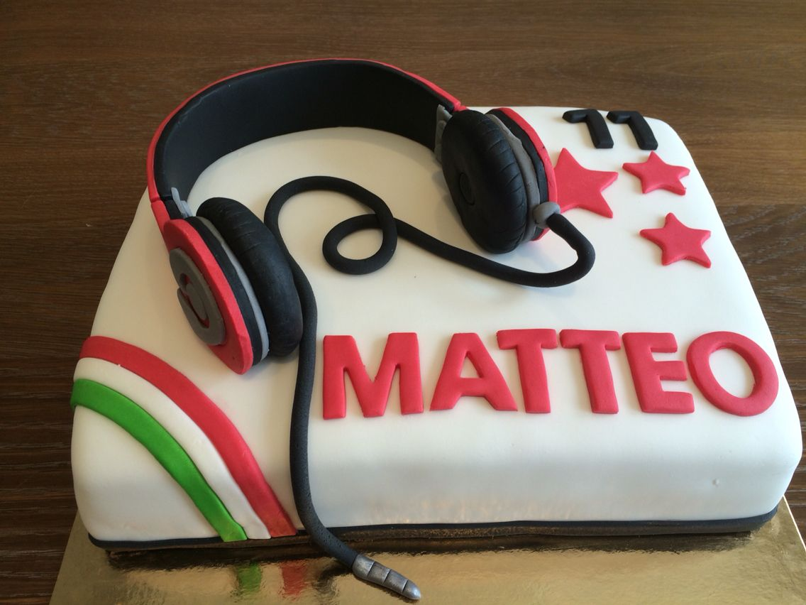 Idee Decoration Gateau Au Chocolat Headphones Birthday Cake Gâteau Anniversaire Adolescent