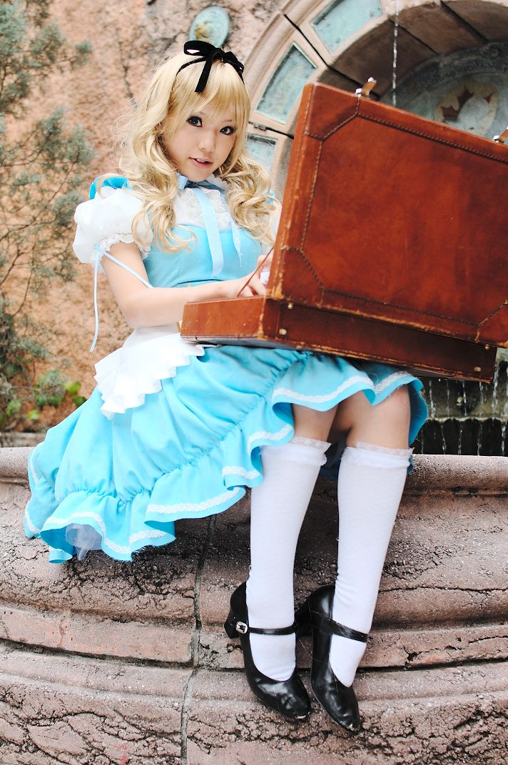 Kipi (Cosplayer) in Alice Lolita Fashion Inspired by Lewis Carroll s Alice  in Wonderland ce81173c6772
