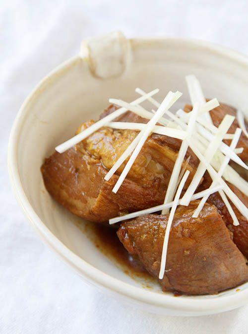 Japanese Braised Pork Belly (Buta no Kakuni)